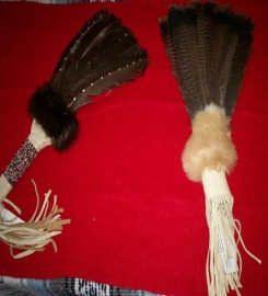 Five feather fans