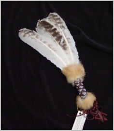 Beaded three feather fans